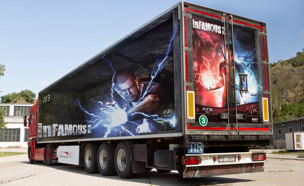 Electrifying InFamous 2 Trucks
