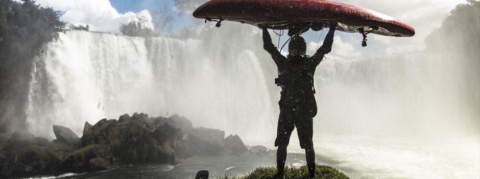 Le kayakiste Pedro Oliva s'attaque à une chute d'eau de 25 mètres dans la nouvelle vidéo « Conquer the Uncharted »
