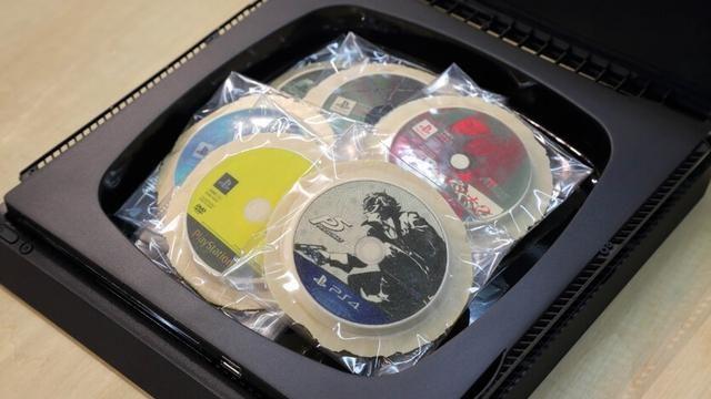 【祝・ペルソナ20周年】「これ新型PS4®ですよね。いや、なんか違う」世界で一品物の重箱!PSからのお祝い!!